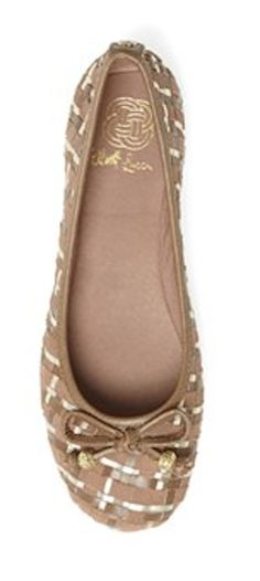 pretty ballet flats http://rstyle.me/n/gc4x5pdpe