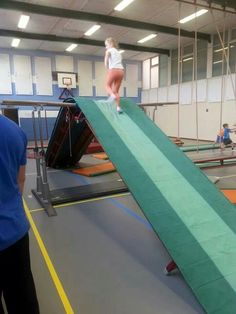 Gym Motor Activities, Activities For Kids, Pe Lessons, Physical Education, Sports, Strength Workout, Play Ideas, Parents, School