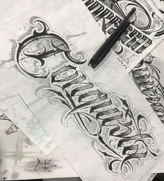 Tattoo Name Fonts, Tattoo Lettering Styles, Chicano Lettering, Graffiti Lettering Fonts, Tattoo Script, Lettering Design, Caligraphy Alphabet, Tattoo Fonts Alphabet, Chicano Tattoos Sleeve