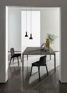 The interiors are a daily magic which can be enhanced with SLIM table & TWO TONE CHAIR to create a new culture of living, characterizing home and contract spaces with elegance and minimalism. Luxury Furniture, Furniture Design, Glass Top Dining Table, Design Interiors, Interior Design, Furniture Companies, Minimalism, House Design, Slim