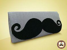 Clutch Mustache --- Acesse donacarto.com