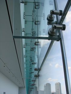 Glass facade detail by tasawa69, via Flickr U Glass, Glass Lift, Glass Boxes, Curtain Wall Detail, Glass Curtain Wall, Church Architecture, Architecture Details, Facade Design, Wall Design
