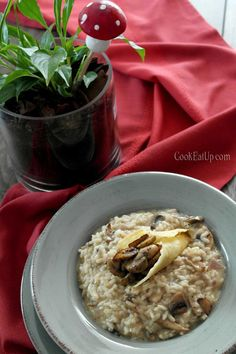 rizoto me manitaria Risotto, Oatmeal, Dishes, Breakfast, Ethnic Recipes, Food, Eat, Drink, The Oatmeal