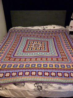 Wendy Blanket How gorgeous is this? Says it's a beginner level - will have to attempt it!