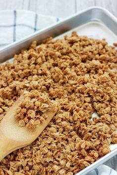 Cinnamon Granola Recipe, Easy Granola Recipe, Vanilla Granola Recipes, Healthy Homemade Granola, Homemade Yogurt, Healthy Snacks, Healthy Recipes, Healthy Eating, Healthy Breakfasts