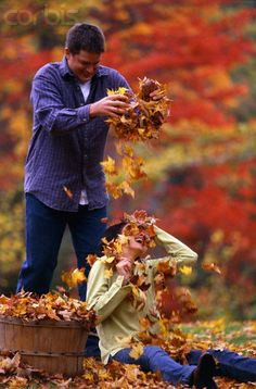 Playing in the Autumn leaves. Fall Pictures, Fall Photos, Couple Pictures, Shooting Couple, Shooting Photo, Autumn Photography, Couple Photography, Autumn Day, Autumn Leaves
