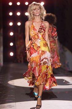 Roberto Cavalli Spring 2002 Ready-to-Wear Fashion Show - Roberto Cavalli, An…