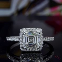 👁Eyes are captivatingly beautiful. Not because of the color but the words they hold within them. And the colors of this Asscher cut I am speechless.