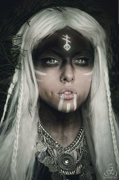 Ideas for makeup halloween witch make up halloween makeup witch - Halloween Makeup Halloween Makeup Witch, Witch Makeup, Up Halloween, Facepaint Halloween, Voodoo Makeup, Viking Halloween Costume, Spirit Halloween, Halloween Drawings, Female Viking Costume