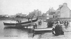 """La mise à l'eau du canot de sauvetage, """"Armand Béhic"""", de  9,78m, construit en 1867 au Havre aux chantiers Augustin Normand, il porte le N°4 de la série"""