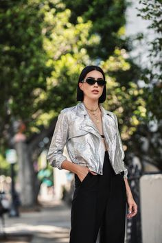 Casual Outfits 2018, New Outfits, Fall Outfits, Fashion Outfits, Fashion 2015, Fashion Ideas, Silver Leather Jacket, Metallic Jacket, High Waisted Trouser Pants