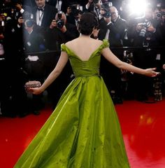 osell wholesale dropship The 66th Cannes Film Festival Yuqi Zhang Taffeta V Neck Short Sleeve Cathedral Train A Line Celebrity Prom Dress $111.20