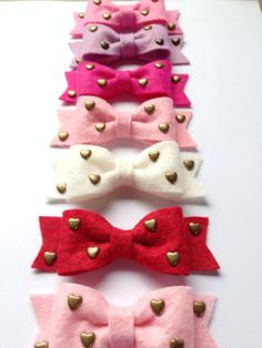 Items similar to Wool Felt Bow with Brass Heart Studs on Elastic Headband OR Clip - Medium Bow Size - Your Choice of Color on Etsy Brag Book, Felt Bows, Elastic Headbands, Diy Flowers, Wool Felt, Hair Bows, Hair Clips, Kids Fashion, Valentines