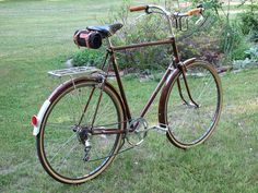 Raleigh Sprite may be my next bike Raleigh Bicycle, Raleigh Bikes, Bicicletas Raleigh, Velo Retro, Bike Cart, Touring Bicycles, Bicycle Brands, Old Bicycle, Bike Style