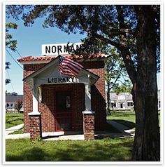 The Norman Library and Square in Norman, Arkansas. Believed to be the smallest library building in the United States. Norman, Arkansas Usa, Library Services, Small Buildings, Little Rock, Work Travel, Get Outside, Places To Travel, New Homes