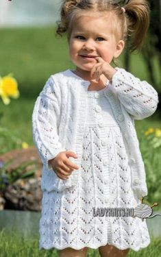 Ажурное платье спицами девочке от 0 месяцев до 8 лет, описание