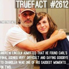 It still is the saddest moment! These two have been together for 7 years. I can't imagine how Andy feels right now knowing Chandler is no longer on the show. They were like father and son.P Carl Grimes. Walking Dead Funny, Fear The Walking Dead, Walking Dead Coral, Chandler Riggs, Andrew Lincoln, The Walkind Dead, Twd Memes, Dead Pictures, Carl Grimes