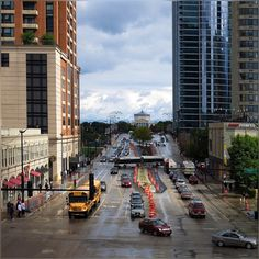 morning wait for the orange line was kinda amusing, everything gets pretty, look at those baby bluish puffy clouds and colors on the road :) #RooseveltRd #CTARoosevelt #TrainStation #Chicago #ChicagoLoop #AfterRain #BlueSkies #Traffic #Colors #HappySeptember #HappyWeekend #SundayMorning #SheddAquarium