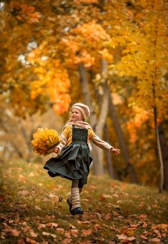 s Clothing Children' Photography Pics, Autumn Photography, Outdoor Photography, Children Photography, Fall Family Photos, Fall Photos, Beautiful Landscape Wallpaper, Autumn Scenes, Fall Pictures