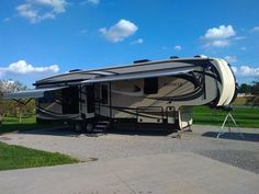 2016 Jayco Pinnacle (OH) - $76,900 Please call Peter @ 310-365-7776 to see this 5th Wheel. 5th Wheels, Rv For Sale, Recreational Vehicles, Camper Van, Campers, Motorhome
