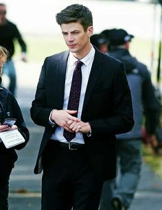 Grant Gustin / Barry Allen / The Flash Grant Gusting, Berry Allen, Series Dc, Crossover Episodes, O Flash, Flash Barry Allen, The Flash Grant Gustin, Fastest Man, Dc Legends Of Tomorrow