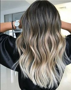 The best ombre hair colors for balayage hair colors Here you may find the top hair color trends for women and girls to make you look cute. By applying these cute balayage hair colors its easy to get cute hair colors look. Best Ombre Hair, Ombre Hair Color, Hair Color Balayage, Blonde Balayage, Bayalage, Haircolor, Hair Blond, Ombré Hair, Hair Color 2018