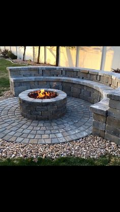 3 Intuitive Cool Tricks: Corner Fire Pit Built Ins fire pit sign fun.Fire Pit Backyard Above Ground fire pit party camping theme. Paver Fire Pit, Concrete Fire Pits, Diy Fire Pit, Fire Pit With Pavers, Garden Fire Pit, Fire Pit Backyard, Large Backyard, Small Patio, Fire Pit Party
