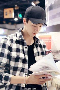 My Future Boyfriend, To My Future Husband, Medium Tv Show, Li Hong Yi, Girl Friendship, Chinese Model, China, Couple Pictures, Boyfriend Material