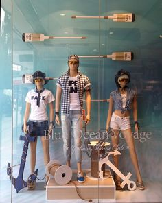 "(A través de CASA REINAL) >>>>> 15 Summer ""Blue Ocean"" window display by Yishion"