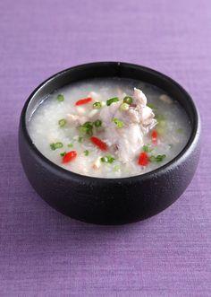 スピード参鶏湯 のレシピ・作り方 │ABCクッキングスタジオのレシピ ... 手間のかかる参鶏湯も鶏手羽元を使って簡単に手軽に作ります。心の芯まで温まる1品です♪ 野菜など加えてオリジナルの参鶏湯にしもてさらに美味しくいただけます。