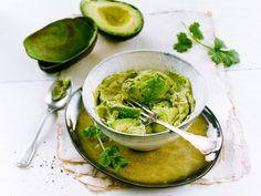 Palak Paneer, Hummus, Ethnic Recipes, Dressings, Sauces, Food, Essen, Meals, Gravy