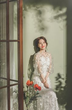 Pre Wedding Poses, Pre Wedding Photoshoot, Wedding Ideas, Korean Bride, Korean Wedding Photography, Bridal Robes, Boho Wedding, Studios, Wedding Dresses