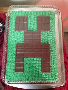 Minecraft Cake-well thats easy enough! Easy Minecraft Cake, Minecraft Birthday Cake, Minecraft Party, Minecraft Cupcakes, Minecraft Crafts, Minecraft Skins, Birthday Treats, 7th Birthday, Birthday Parties