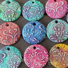 Terrific Screen sculpey clay ornaments Popular Damask Polymer Clay Pendants made with Sculpey Sculpey Clay, Polymer Clay Kunst, Polymer Clay Ornaments, Polymer Clay Pendant, Polymer Clay Projects, Polymer Clay Charms, Polymer Clay Jewelry, Polymer Clay Painting, Baking Clay
