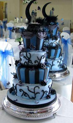 Google Afbeeldingen resultaat voor http://aweddingcakeblog.com/wp-content/uploads/2012/05/Gothic-Wedding-Cake-610x1024.jpg