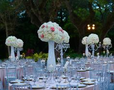Gorgeous and elaborate floral centerpieces to amaze your guests!