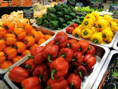 EWG's Dirty Dozen Report Lists The Most Pesticide-Heavy Fruits And Veggies Of 2014 - Huffington Post Fruits And Veggies, Vegetables, Pepper Seeds, Organic Lifestyle, Food Club, Stuffed Sweet Peppers, Food Hacks, Food Tips, Cooking Tips