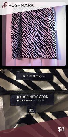 JONES NEW YORK Skirt. Sz 18W. JONES NEW YORK Skirt. Sz 18W.  Stretch with Lycra and Spandex Jones New York Skirts Pencil