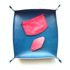 Leather Tray, Coin Carry and Cord Wrap Leather Tray, Saddle Bags, Fashion Backpack, Cord, Backpacks, How To Make, Handmade, Cable, Hand Made