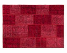 Wir glauben, dass Sie mit einem roten Teppich niemals falsch liegen können. Ein roter Teppich kann so gut wie überall im Haus platziert werden. Er wird einfach jeden Raum aufwerten.   Super schöne Patchwork-Teppiche jetzt auf sukhi.de