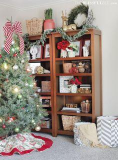 Christmas Den Detail