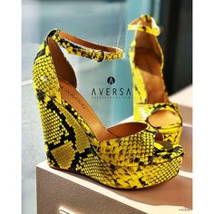 Kammi Zeppa New York pitone giallo Wedges Outfit, Yorkie, Heels, Outfits, Fashion, Heel, Moda, Yorkies, Suits