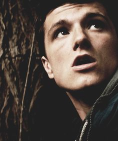 Josh Hutcherson- all the good things about this picture- jaw, lighting, he looks soooooo cute!!!