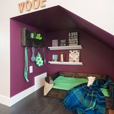 DIY Under Stairs Dog Nook. Turn an under-stairs nook into any dogs dream space complete with a handmade rustic bed and organizer. Under Stairs Dog House, Under Stairs Nook, Animal Room, Dog Nook, Bed Organiser, Dog Bedroom, Master Bedroom, Puppy Room, Dog Spaces