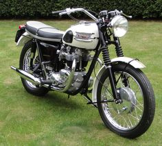 Vintage Motorcycles 740912576185459918 - 9 Cool Classic Triumph Scrambler Motorcycles – vintagetopia Source by Triumph Cafe Racer, Triumph Scrambler, Triumph Bonneville T120, Triumph Motorcycles, Triumph Motorbikes, British Motorcycles, Scrambler Motorcycle, Motorcycle Style, Cool Motorcycles