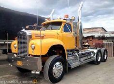 Mack B classic in Columbia Old Mack Trucks, Old Pickup Trucks, Big Rig Trucks, Dump Trucks, Cool Trucks, Rolling Coal, Antique Trucks, Vintage Trucks, Diesel Trucks