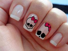 If and when I have the time, my next polish change will be this :) Red Nails, Love Nails, How To Do Nails, Hair And Nails, Halloween Nail Designs, Halloween Nail Art, Simple Nail Designs, Nail Art Designs, Monster High Nails