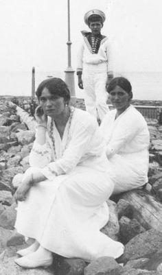 Maria Nikolaevna Romanova // kootyl: Grand Duchesses Olga and Marie with...