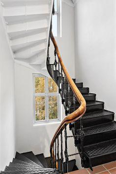 """FINN – Tiltalende designleilighet med unik atmosfære. 2R med """"alt"""". Solrik balkong. Rolig og sentral beliggenhet."""
