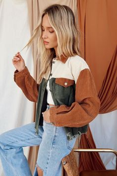 Mode Outfits, Fall Outfits, Fashion Outfits, 70s Outfits, Outfit Invierno, Cute Jackets, Women's Jackets, Vogue, Cute Casual Outfits